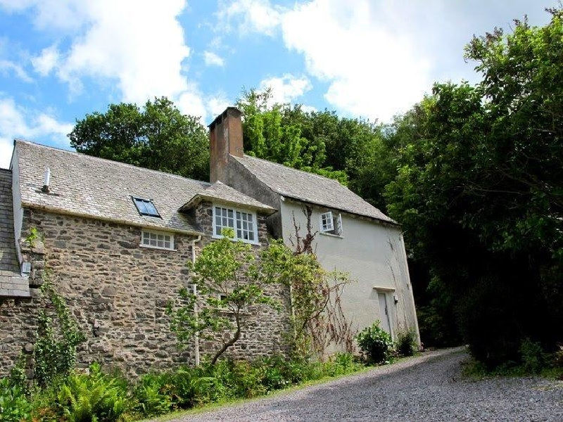Click here for more about Worthy Cottage