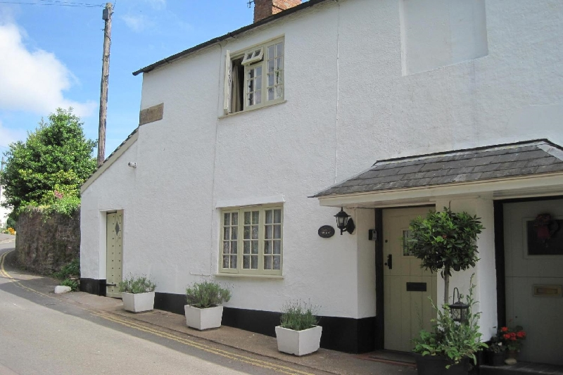 Click here for more about Ruffles Cottage
