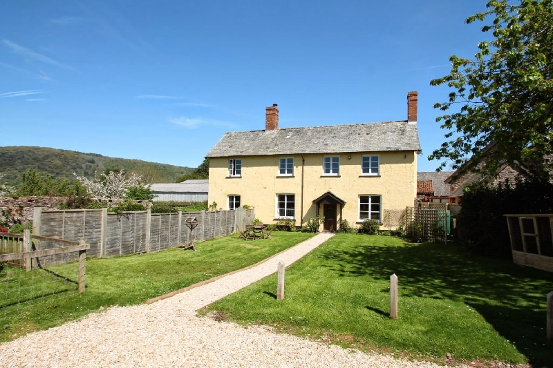 Click here for more about Farm Cottage