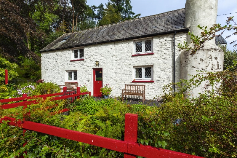 Click here for more about Cascade Cottage