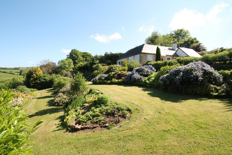 Details about a cottage Holiday at Raleigh Lodge