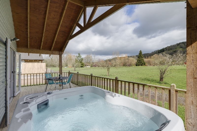 Click here for more about The Clover Lodge - Redlake Farm