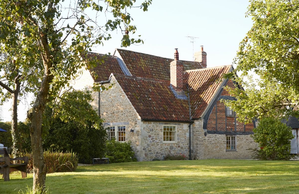 Click here for more about Redbridge Cottage