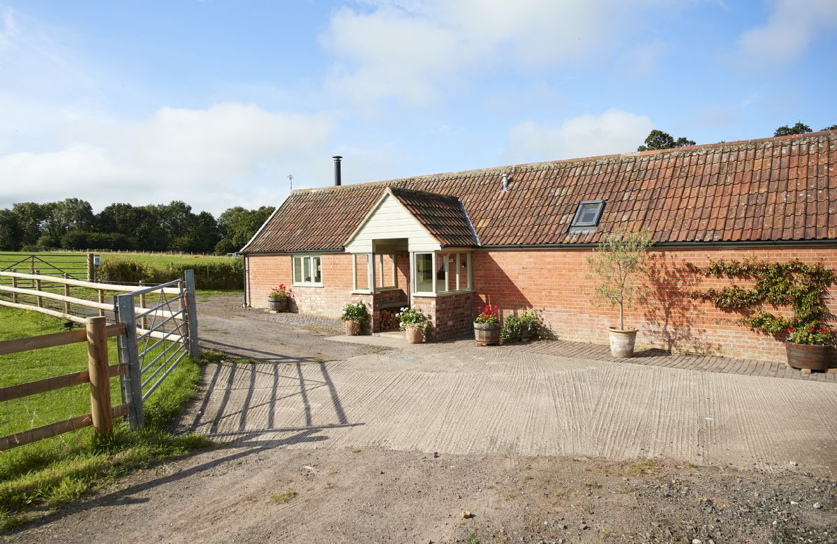 Click here for more about Downclose Piggeries