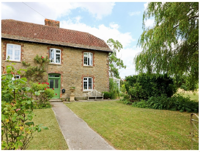 Click here for more about Higher Horwood Farmhouse