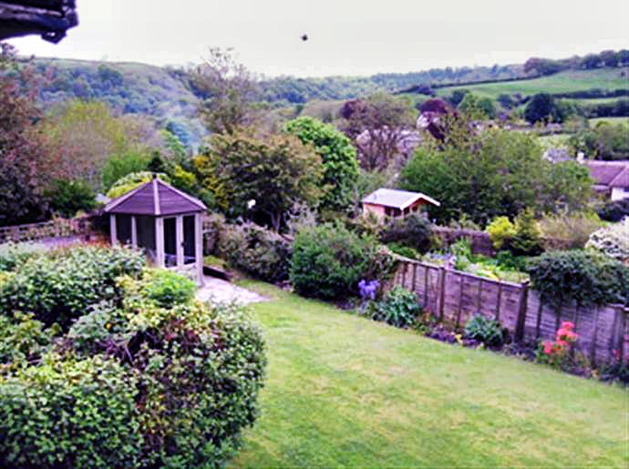 Cottage holidays England - East Galliford