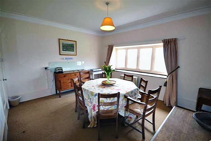 Holmbush Holiday Cottage