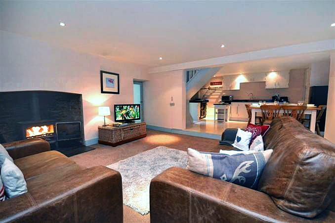 Western Cottage is located in Dulverton